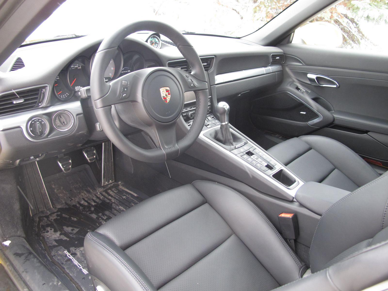 2013-porsche-911-carrera-4s-006